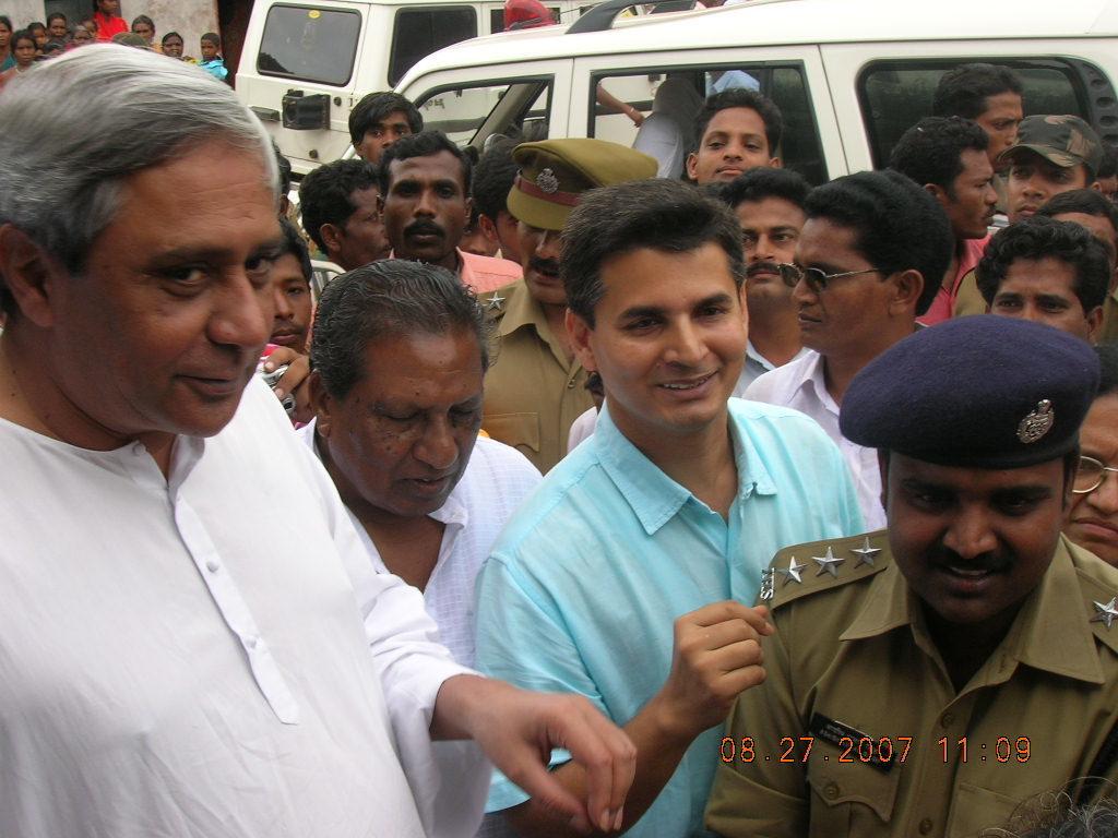 Patnaik visits Kashipur, reviews situation
