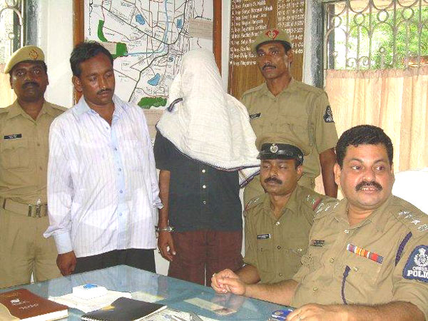 Balangir police nab two dreaded criminals from Cuttack