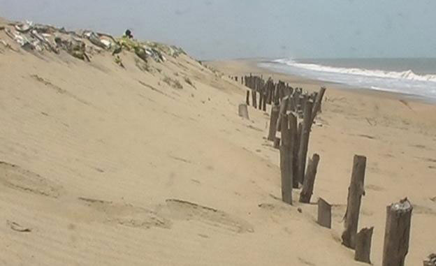 Sea ingression: villagers perform 'Yagnya'