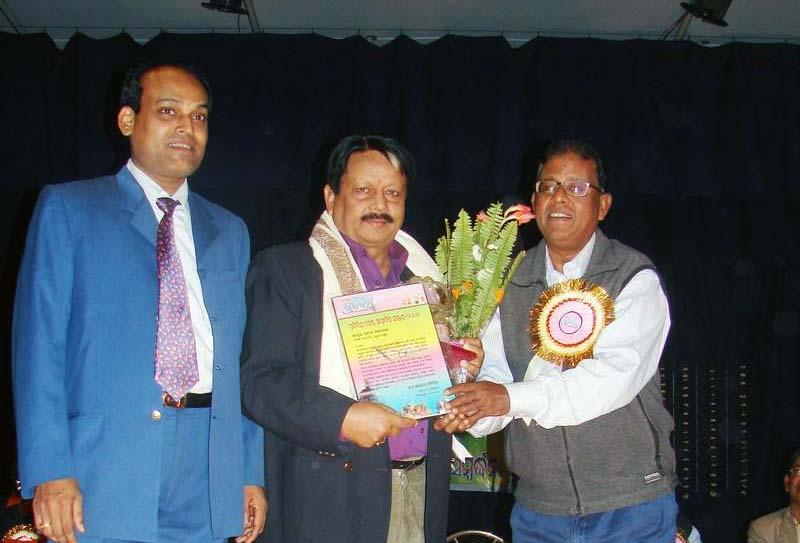 Oriya weekly honours Odisha.com editor