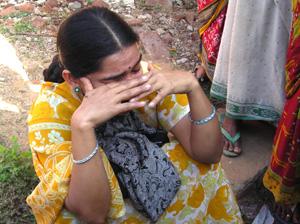 Naxal attack police establishments, 15 killed, arms looted