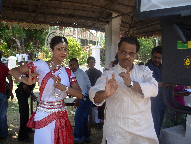 Actress Shilpa Shetty learns Odissi